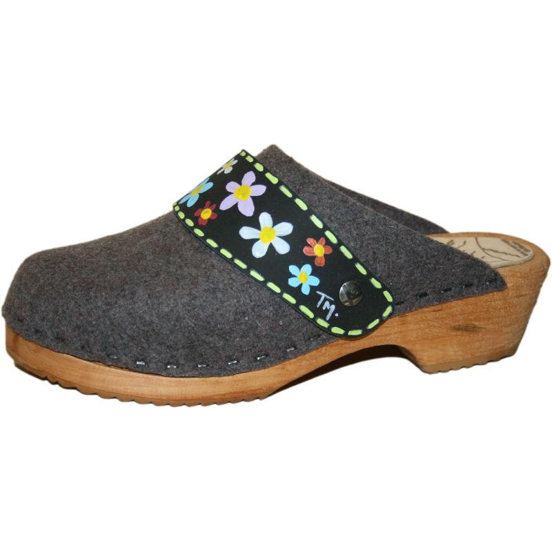 Traditional Heel Tessa Clogs in Gray Felt with Hand Painted Black Maria Strap