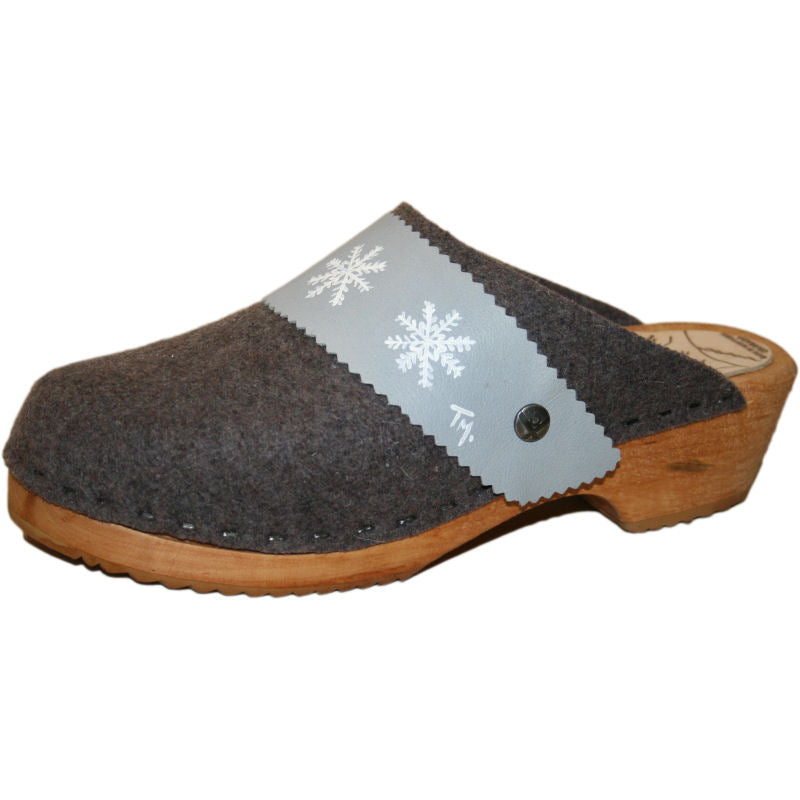Tradition Heel Gray Felt Wool with hand painted SnowFlake Strap