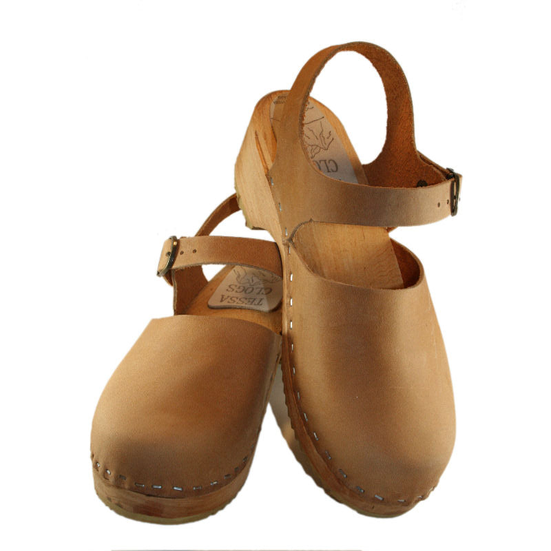 Closed Toe Moa Sandal in Tan Oil Tanned Leather