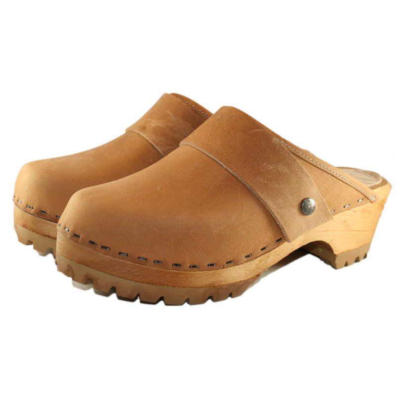 Mountain Sole Clog in tan leather with wide snap strap