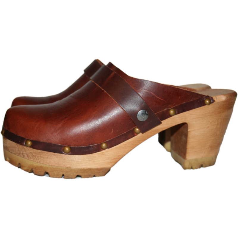Rich Brown bourbon leather on High heel mountain sole