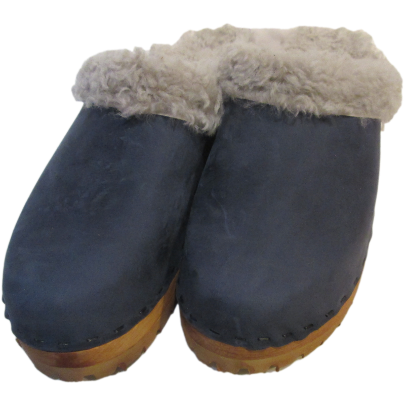 Denim Oil Tanned Mountain Clogs lined with Gray Shearling