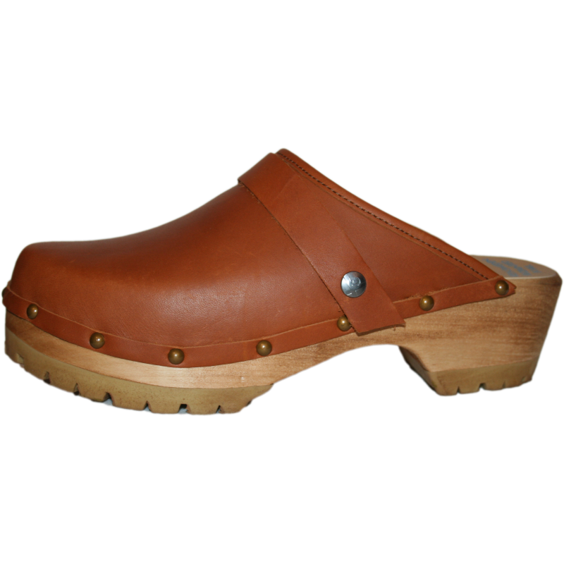 Sunrise Oil Tanned Leather on our Mountain Sole finished with Decorative Nails