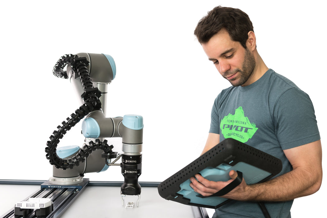 Universal Robots Arm with Gripper