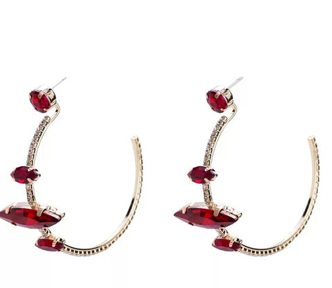 The Holiday Glamour earring