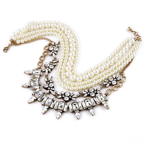 The Pearl & Sparkle necklace