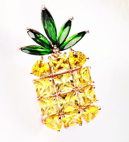 The Pineapple Brooch