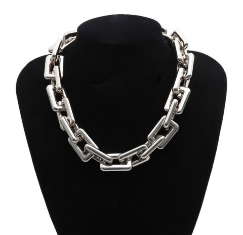 The Chunky link necklace