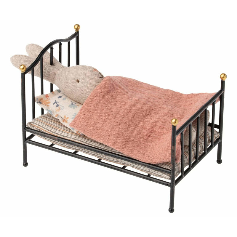 Vintage Bed - ANTHILL shopNplay