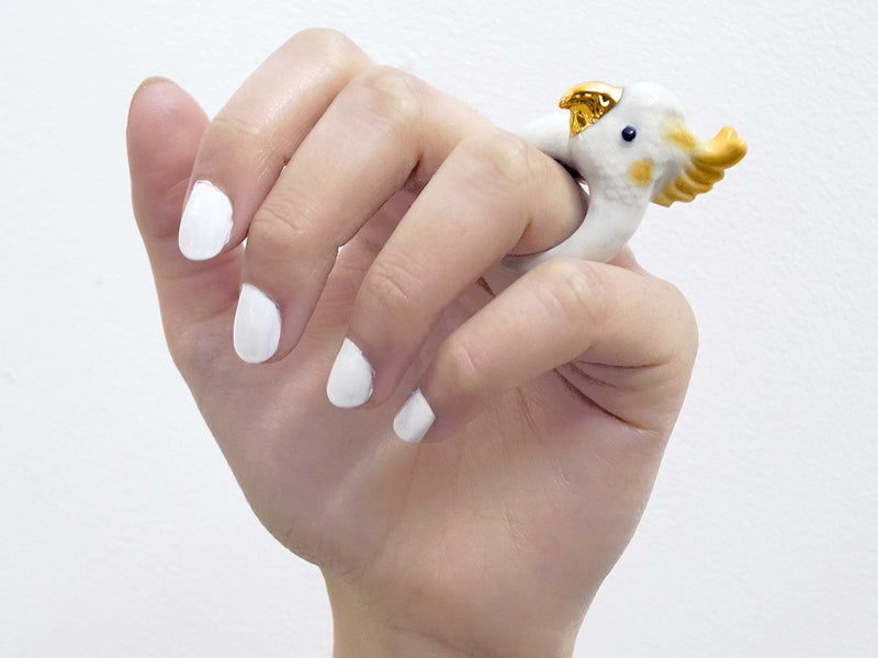 Medium Ring Cockatoo White/Gold - ANTHILL shopNplay
