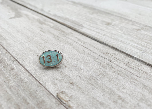 Ready to ship! 13.1 Sky blue glitter BBBand button