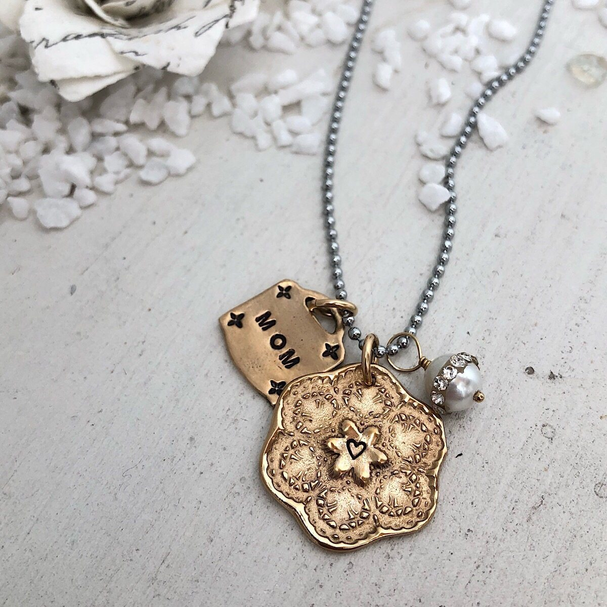 "Callista Vintage ""Mom""Charm Necklace - IsabelleGraceJewelry"