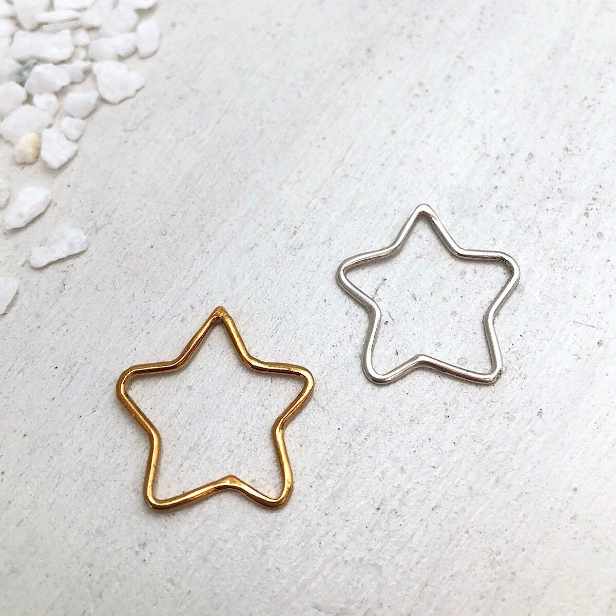 Outline Star Charm  - IsabelleGraceJewelry