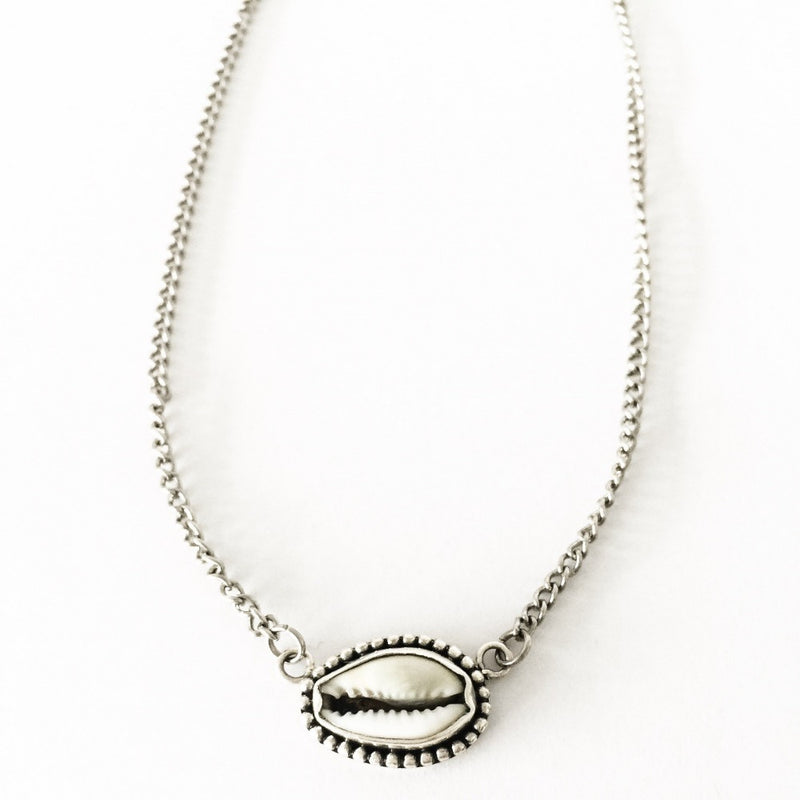 Cowrie Shell Choker Necklace