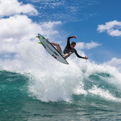 Elijah Gates surfer Hawaii