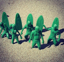 Load image into Gallery viewer, Toy Boarders SURF - not army men