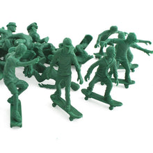 Load image into Gallery viewer, Toy Boarders SKATE - not army men
