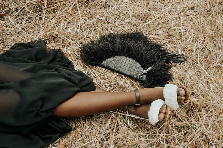 Le Petit Ostrich Feather Clutch Bag In Black / Embossed croc