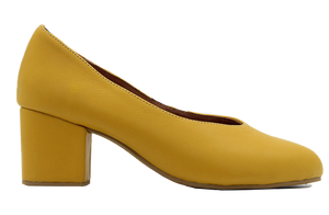 Amara Court Shoe In Ochre