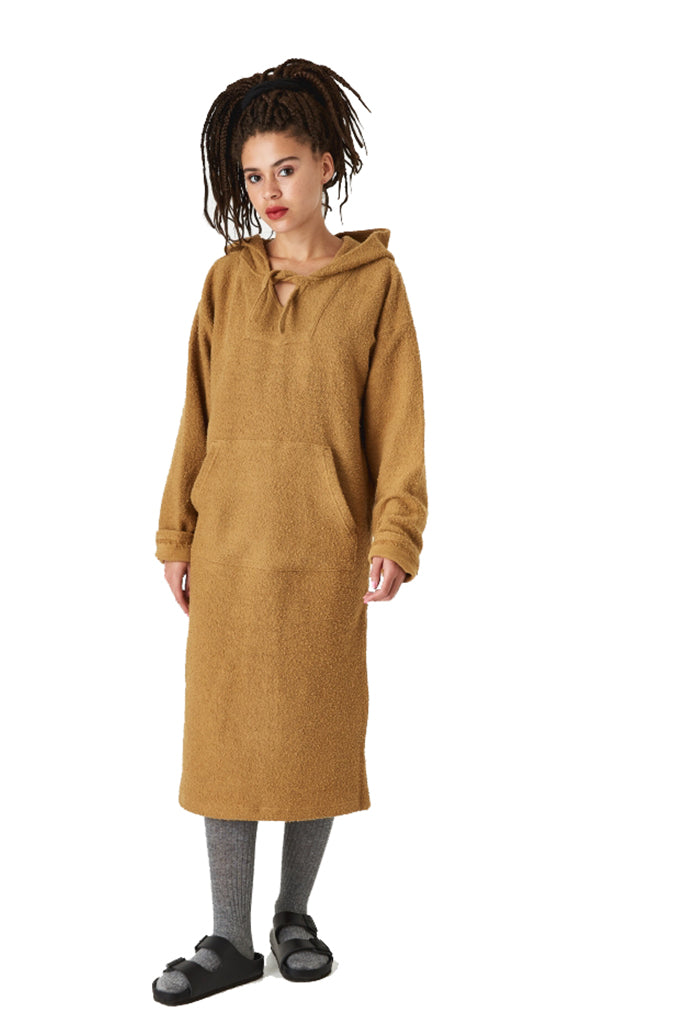 Vestido STUSSY ARIES PONCHO DRESS Camel