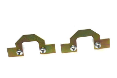 Front coil spring retaining plates (D2)