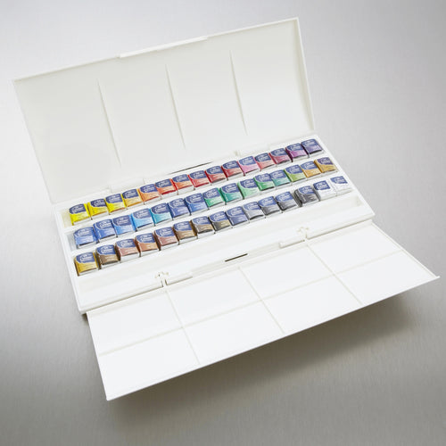 Plastic boxes for watercolour half pans-stores 45 half pans,integral palette