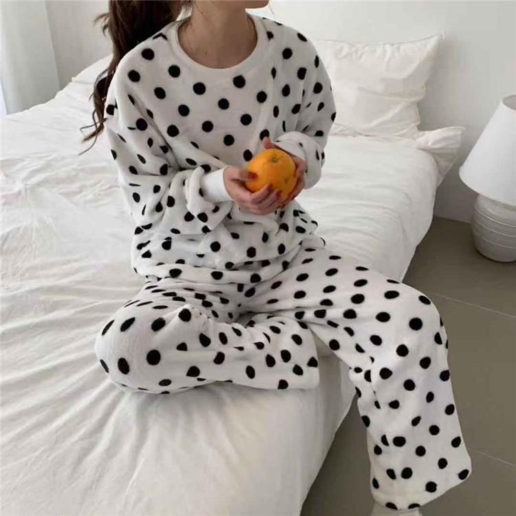 BLACK WHITE PLUSH COMFY POLKA DOT 2 PIECE PAJAMA SET
