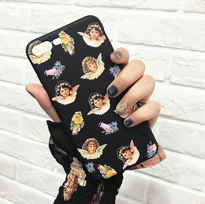 itGirl Shop CHERUBS HANDS FLOWERS BLACK IPHONE COVER CASE