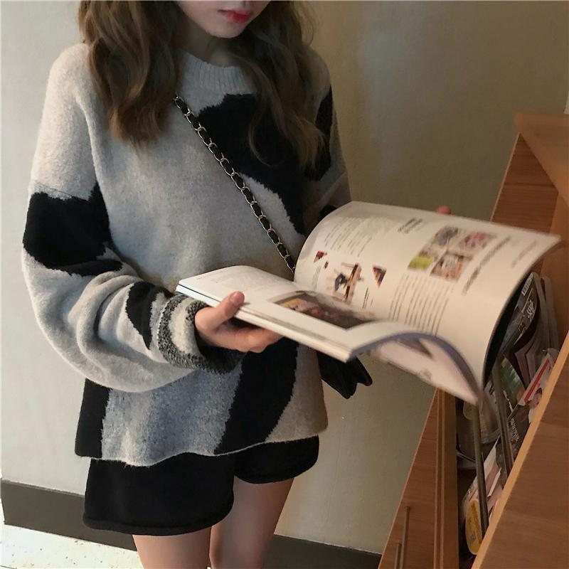 itGirl Shop COW PRINT OVERSIZE ROUND NECK COTTON SWEATER
