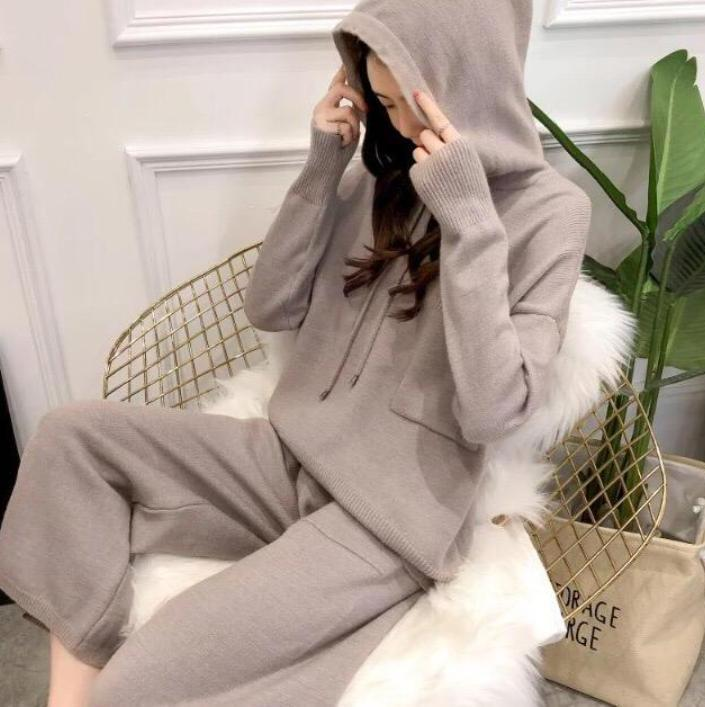 itGirl Shop COZY HOODED KNITTED SWEATER + WIDE LEG PANTS SUIT