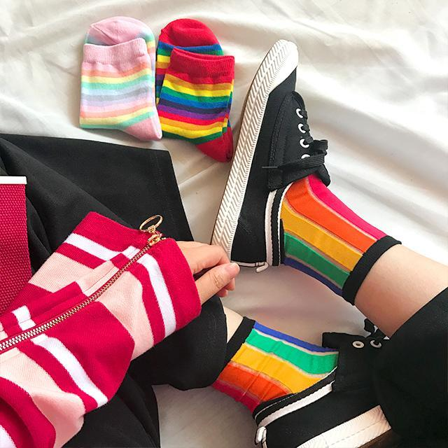 itGirl Shop CUTE RAINBOW VERTICAL STRIPES COLORFUL SOCKS
