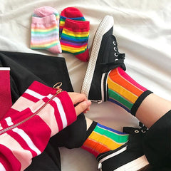 CUTE RAINBOW VERTICAL STRIPES COLORFUL SOCKS