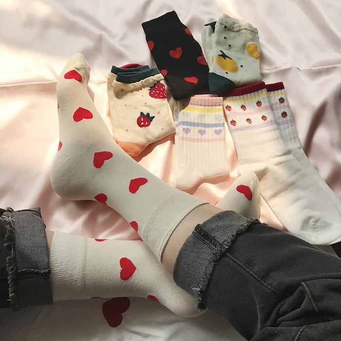 itGirl Shop CUTE STRAWBERRY HEART SOCKS