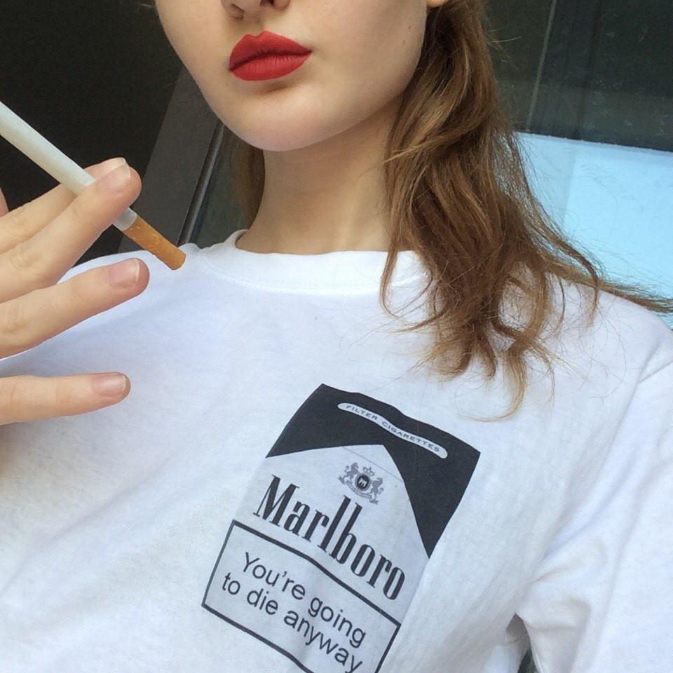 itGirl Shop D YOU GOING TO DIE ANYWAY CIGARETTES PRINT T-SHIRT