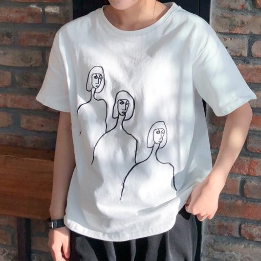 itGirl Shop DRAWING THREE FACES BLACK EMBROIDERY SEW LINES COTTON T-SHIRT