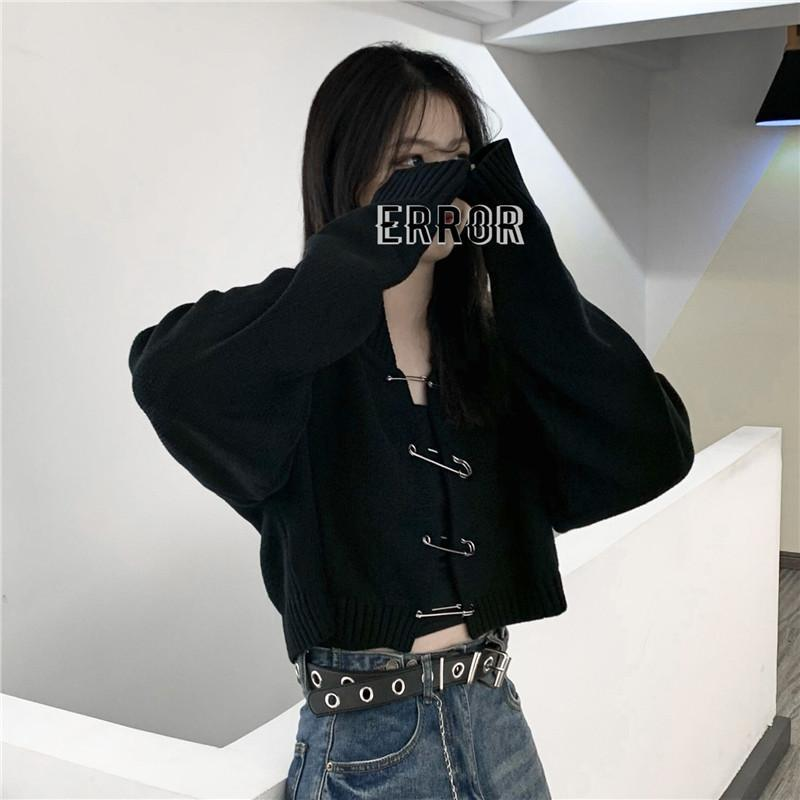 itGirl Shop EDGY HUGE PINS LOOSE CROPPED BLACK SWEATER