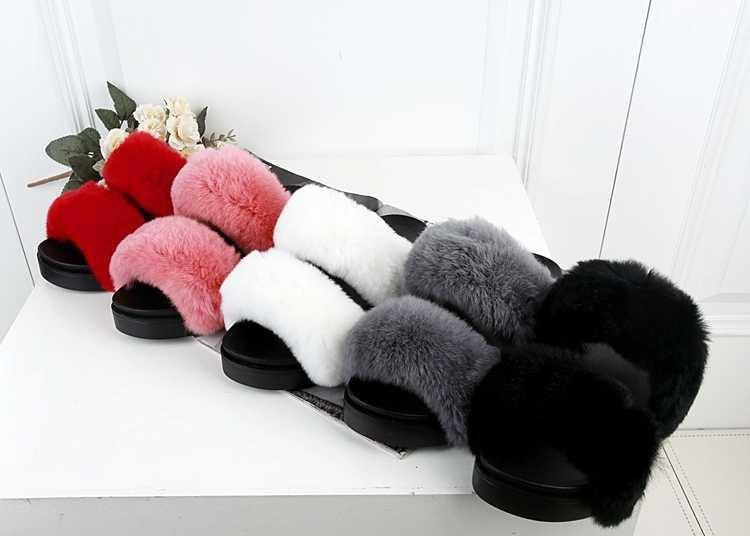 itGirl Shop FLUFFY FAUX FUR TWO ROWS FLAT SANDALS