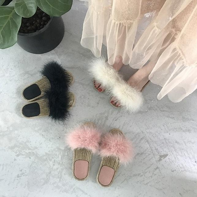 FLUFFY FAUX FUR WICKER BLACK WHITE PINK SANDALS