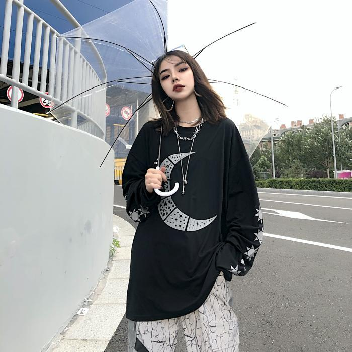 itGirl Shop GRUNGE MOON AND STARS PRINTED BLACK LONG SLEEVE T-SHIRT