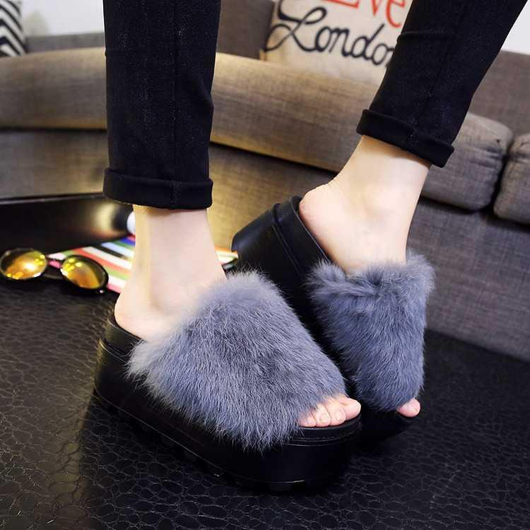 itGirl Shop HIGH PLATFORM FLUFFY FAUX FUR OPEN SANDALS