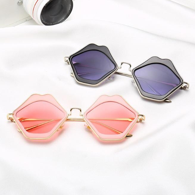 itGirl Shop LIPS PLASTIC RED BLACK PINK FRAME SUNGLASSES