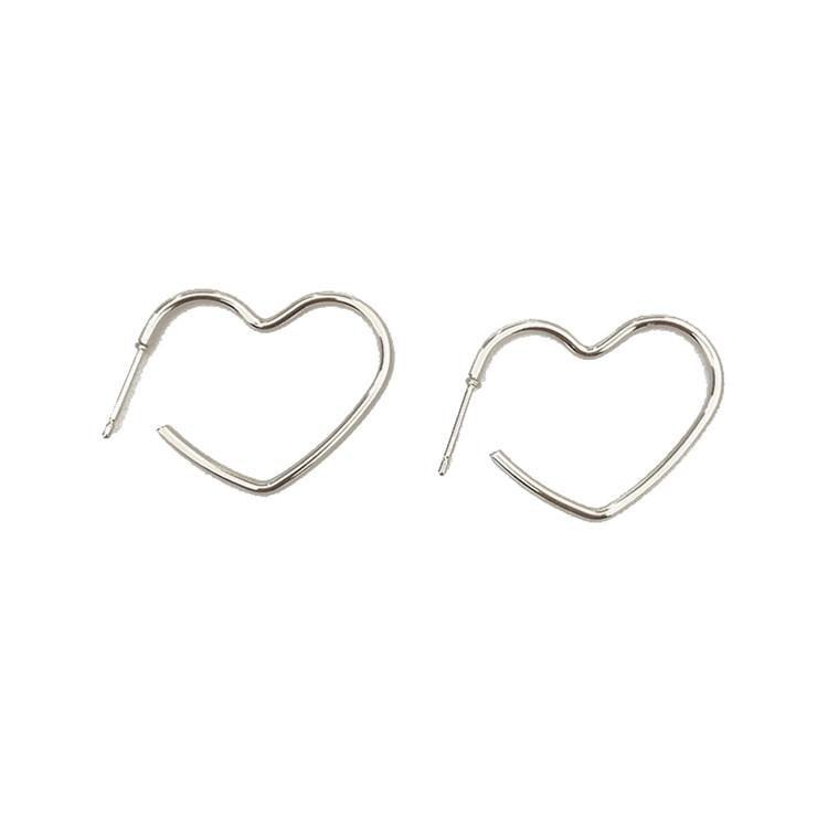 itGirl Shop MINIMALISTIC METALLIC HEART EARRINGS Aesthetic Apparel, Tumblr Clothes, Soft Grunge, Pastel goth, Harajuku fashion. Korean and Japan Style looks