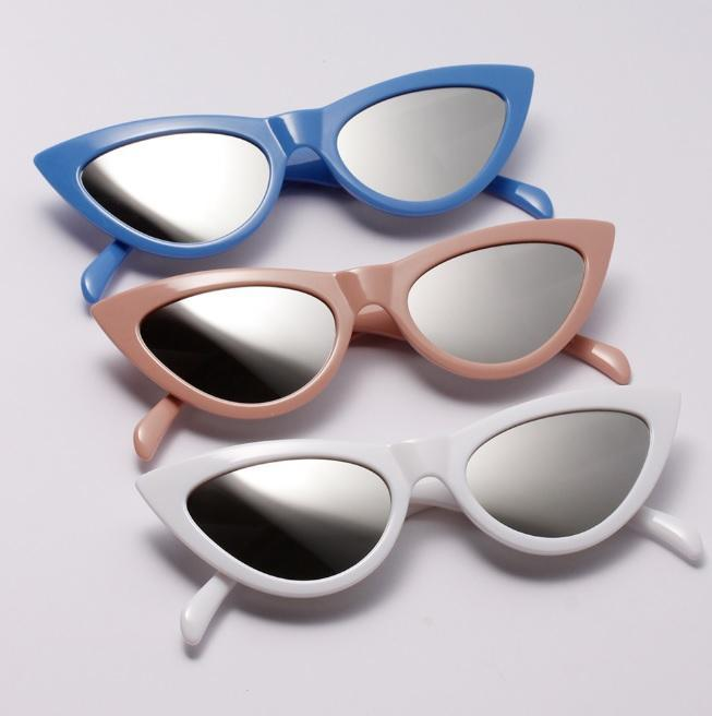 itGirl Shop POINTY CAT EYE PLASTIC FRAME SUNGLASSES