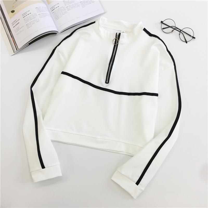 RETRO SPORTY LINES BLACK WHITE CROPPED SWEATSHIRT