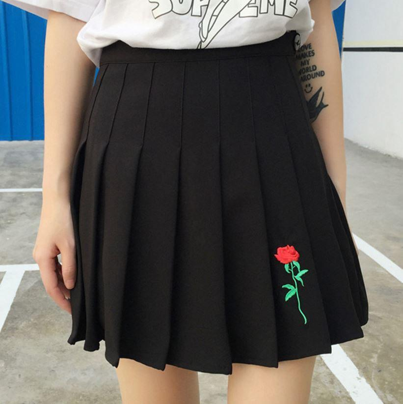 itGirl Shop ROSE EMBROIDERY AESTHETIC PLEATED BLACK SKIRT