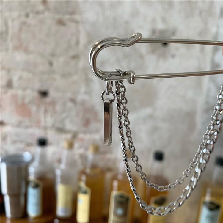 SILVER CHAINS GRUNGE GIRL HUGE PIN BROOCH