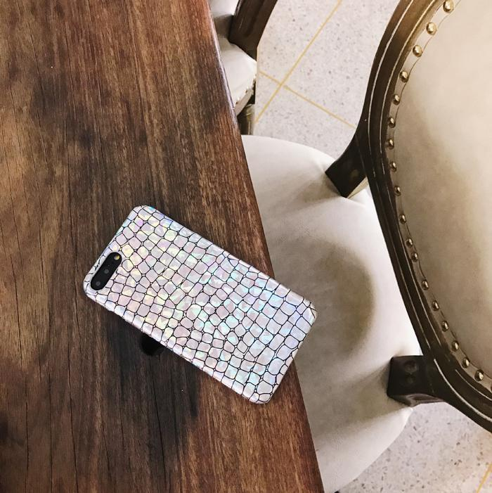 itGirl Shop SILVER HOLOGRAPHIC SNAKE SKIN SHINY IPHONE COVER