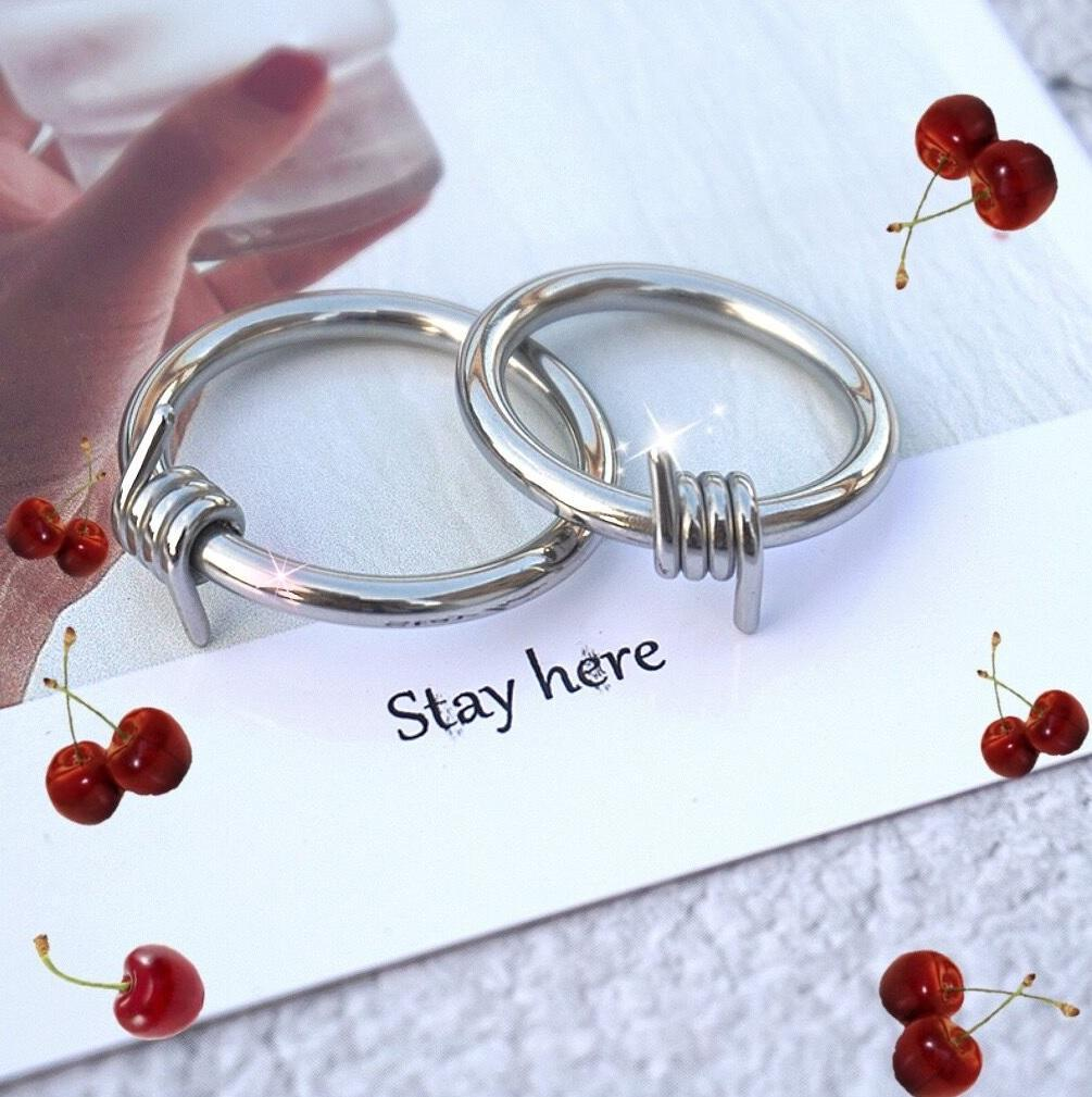 itGirl Shop SILVER PUNK WIRE SIMPLE METAL RING