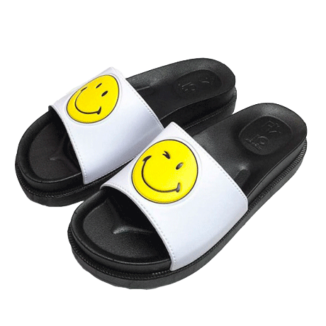 itGirl Shop SMILE FACE RUBBER HOME SLIPPERS