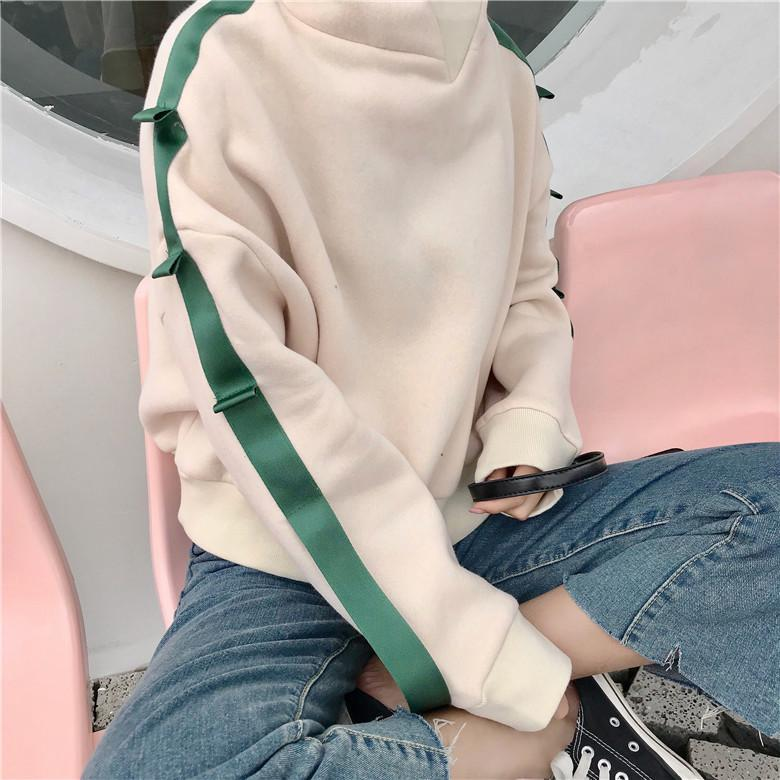 itGirl Shop SOFT BEIGE SIDE GREEN RIBBON LINE LONG SLEEVE HOODIE